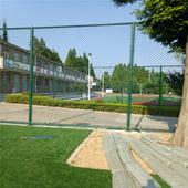共進籃球場圍網 學校操場球場圍網 籃球場護欄網生產廠家