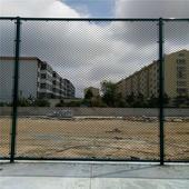 新乡市运动场围栏 4米高篮球场围网 足球场隔离栏厂家