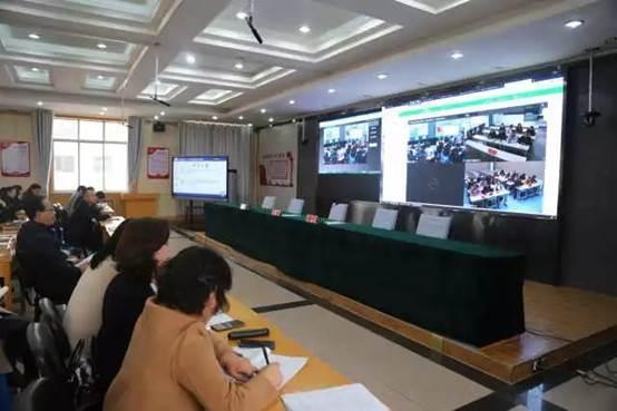 """宁夏青铜峡城乡学生在线""""同屏互动"""""""