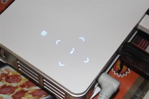 丽讯便携LED投影机