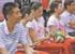 女排队员刘晓彤林莉李静进学校推广排球