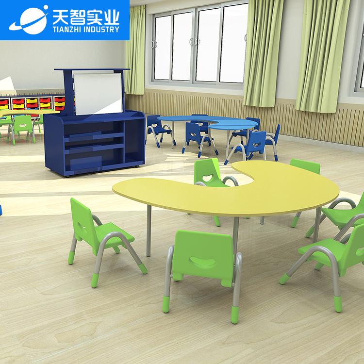 24位通用教室(C型桌)